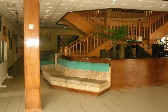 Busua Waves Resort: Lobby Area