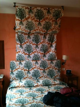 Hotel Vecchio Borgo: letto
