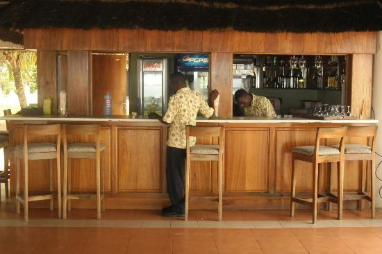 Busua Beach Resort: Bar