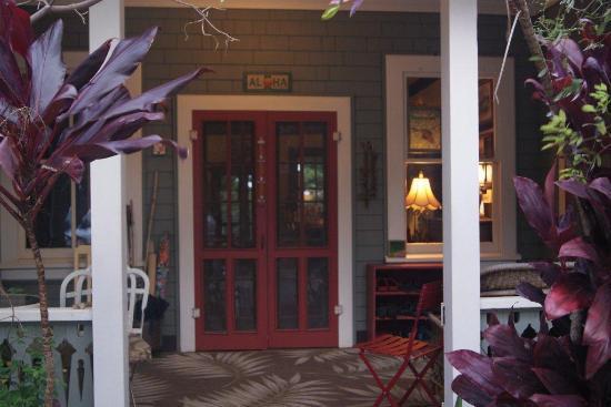 Hale Ho'okipa Inn Makawao: Inviting entrance