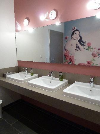 Hotel Kapellenberg: WC-Vorraum Seminarraum