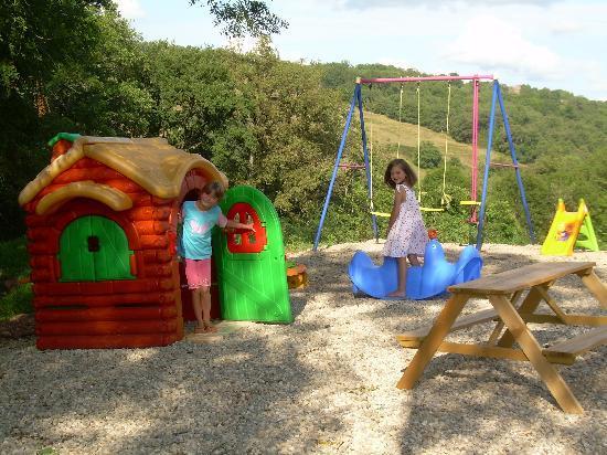 aire de jeux pour enfants foto di domaine florena firmi tripadvisor. Black Bedroom Furniture Sets. Home Design Ideas