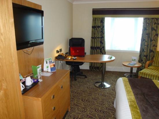 Holiday Inn Kenilworth - Warwick: Our Bedroom