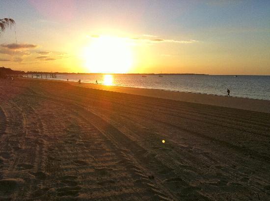 Boat Harbour Resort: Sunset, Torquay Beach