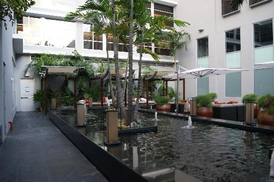 Boulan South Beach: courtyard