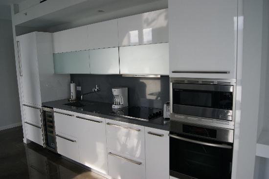 Boulan South Beach: kitchen