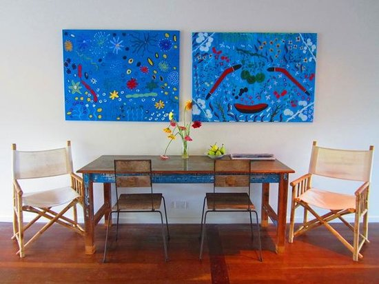 The Cape Beach House: Breakfast Table & Artwork