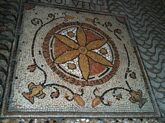Grado, Italy: 700 mq di mosaici pavimentali