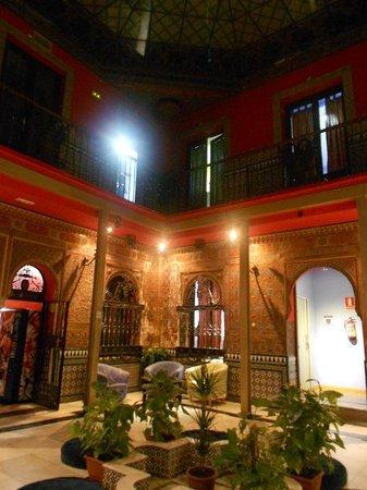Cat's Hostel : Atrium