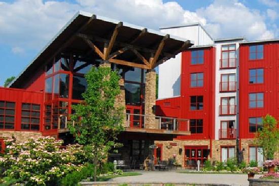 Bear Creek Mountain Resort: Mountain Courtyard