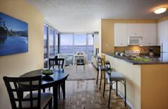 BridgeStreet Liberty Towers : Apartments come with fully equipped kitchens