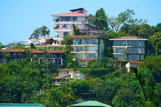 La Mariposa Hotel: Hotel property view