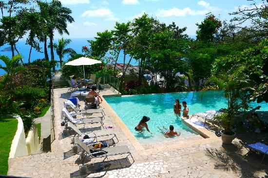 La Mariposa Hotel: swimming pool area