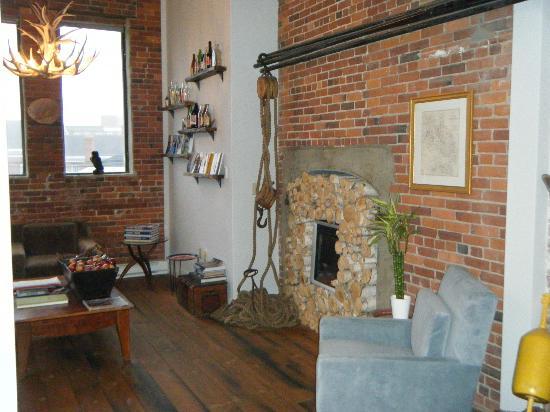 Ale House Inn: Wonderful cosy sitting room