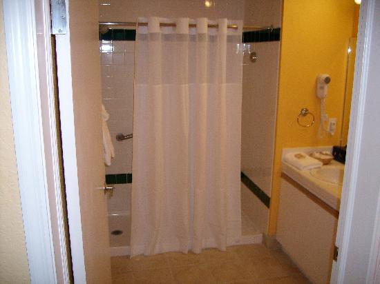 Royal Dunes Resort: Walk In Shower
