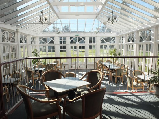 Cally Palace Hotel: Conservatory and bar area