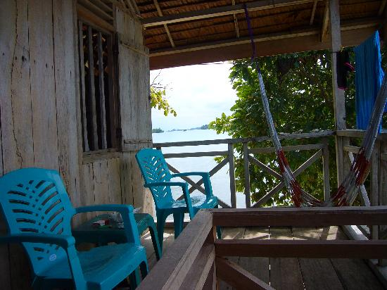 Poya Lisa Cottages: Bungalow terrace