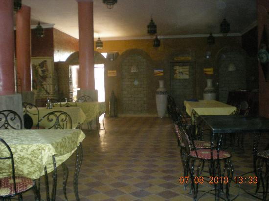 Les Portes du Desert: ristorante