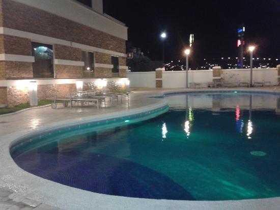 Hilton Garden Inn Tuxtla Gutierrez: Piscina