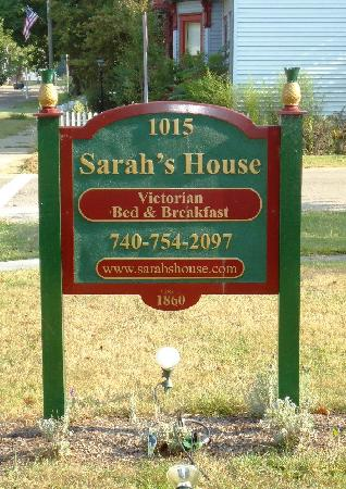 ‪‪Sarah's House Victorian Bed & Breakfast‬: A sign to lead you to our door!‬