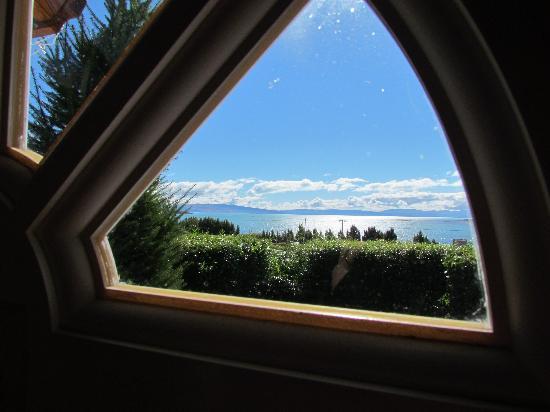 Solares Del Sur : Vista de Lago desde la ventana de la cabaña