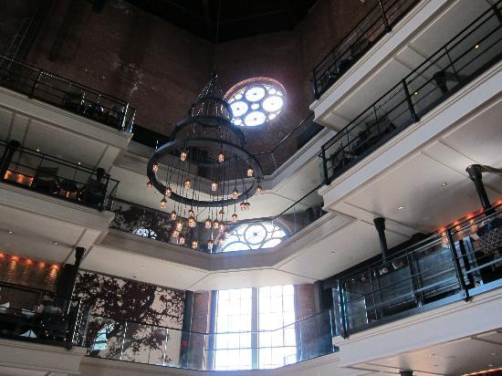 Scampo: Interior of the Liberty Hotel