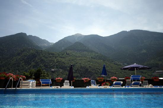 Hotel Pyrenees: Outdoor Swimming-pool _ Piscina Exterior