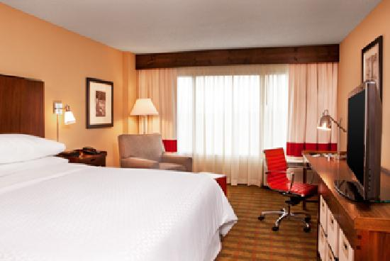 Four Points by Sheraton Nashville-Brentwood: King Guest Room
