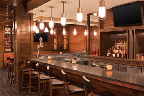 Four Points by Sheraton Nashville-Brentwood: The Edge at 760 Bar