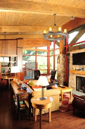 Bear Creek Mountain Resort: Executive Suite Livingroom