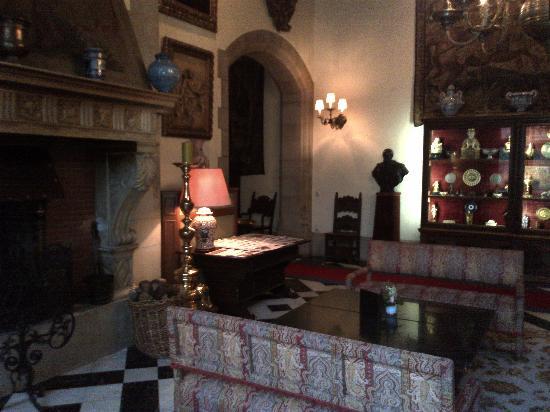 Schloss Hotel Kronberg: Hotel lobby