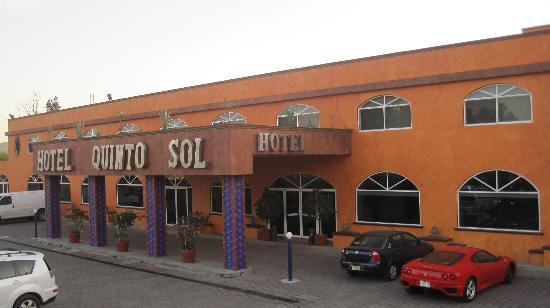 Hotel Quinto Sol Entrance