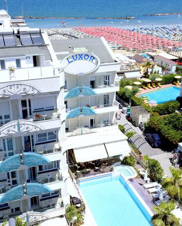 Hotel Luxor Beach: luxor beach hotel SUL MARE