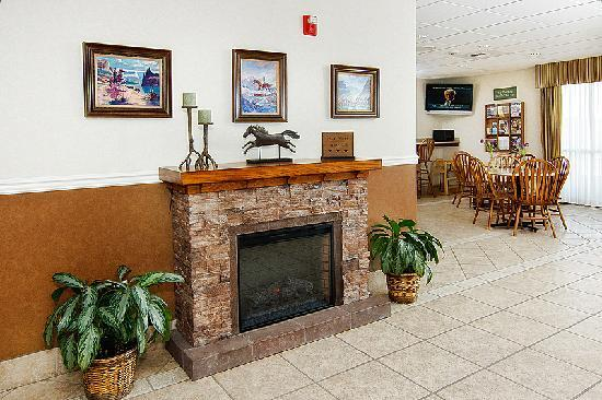 Boothill Inn & Suites: Regardless of the weather, a warm welcome awaits you at the Boothill Inn.