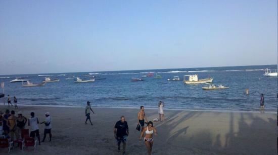 Pousada Iande: Playa del centro a la tardecita