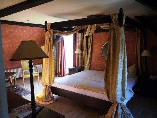 Romantik Hotel Der Adelshof: Wohnen in diesem Zimmer ist ein Erlebnis für die Sinne!