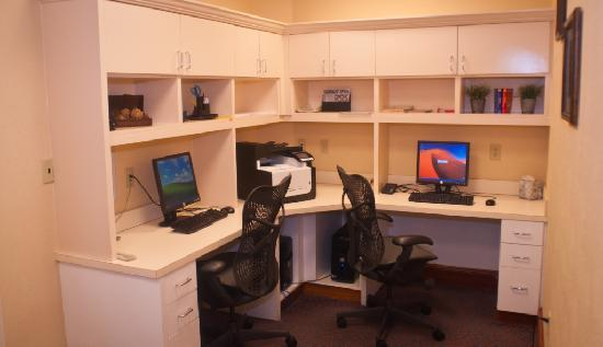 Hilton Garden Inn Houston Westbelt: Complimentary 24-hour business center, with PC & printing access