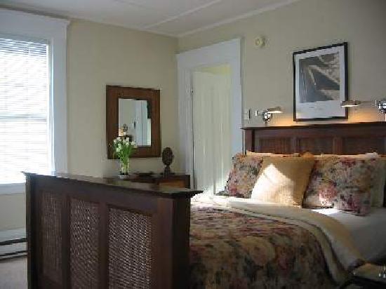 West End Inn: Room #1