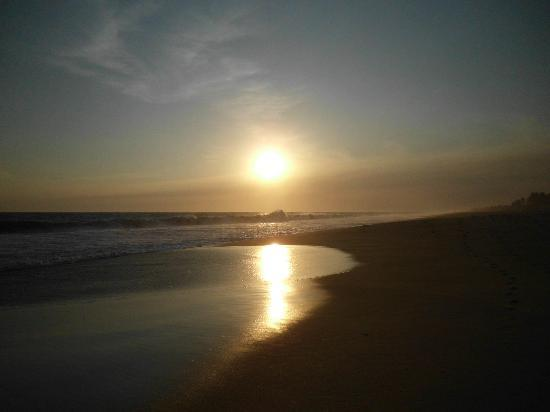 Sol y Arena Beach Hostel: Sunset in Paradise