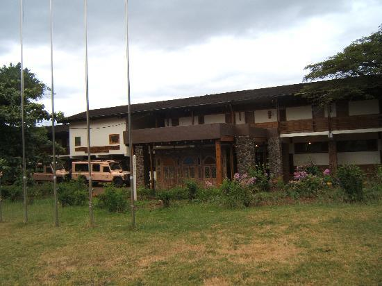 Lake Manyara Wildlife Lodge: Front of the hotel