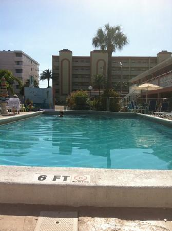 Holiday Isles Resort: Nice pool