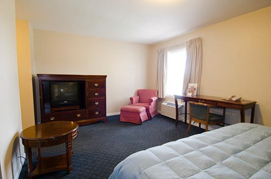 Alpine Inn: King Room