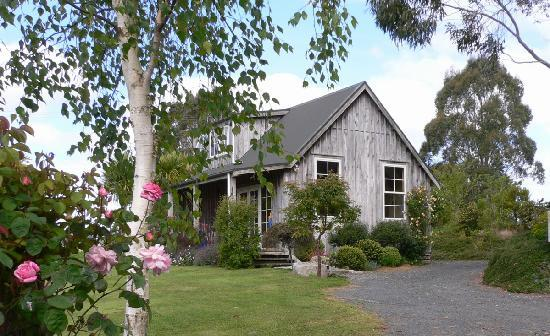 Kamahi Cottage: Honeymoon retreat just 30 minutes from waitomo Caves, NZ