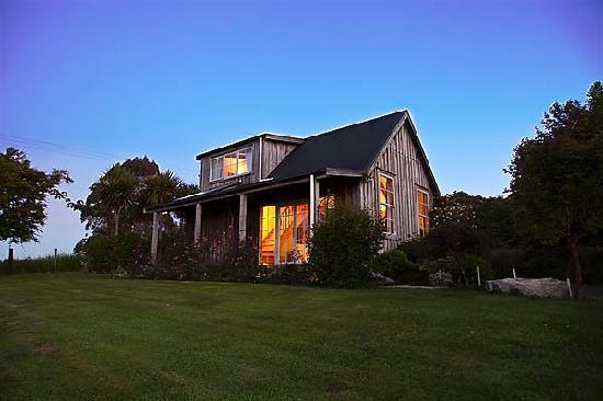 Kamahi Cottage near Otorohanga & Waitomo Caves