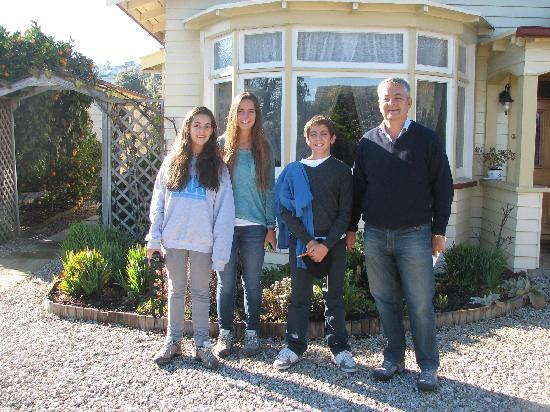 Ambleside Bed & Breakfast: Guests about to leave