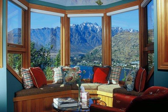Pencarrow: Guest Suite Sitting Area