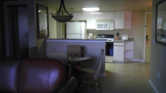 Westgate Towers Resort: Outdated kitchen but had all the essentials