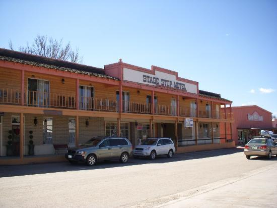 Stage Stop Inn: View from the street