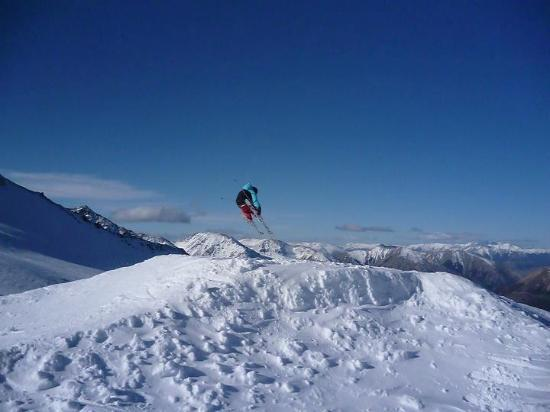 Springfield, New Zealand: A nice hip/tabletop jump the groomer built