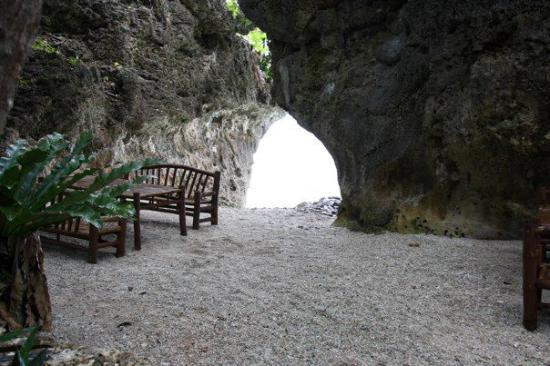 Padre Burgos Castle Resort: Rock Formation